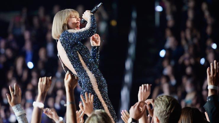Grammys 2016: Taylor Swift vs. Kanye West